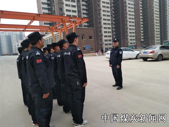 咸丰路派出所加强小区一线巡查使小区治安情况明显好转